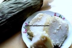 Lontong (rice cooked in banana wrap)